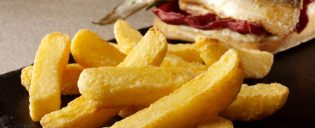 cropped-farm-frites-ultimate-chip.jpg